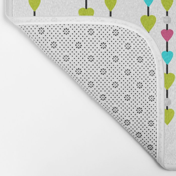 Pearl beads and hearts . Bath Mat