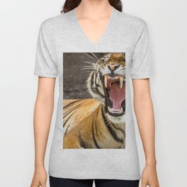 Spectacular Noble Creature Fearsome Roaring Showing Teeth Zoom UHD Unisex V-Neck