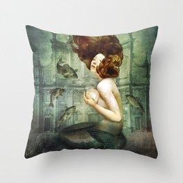 The Mermaid´s Pearl Throw Pillow