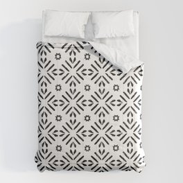 Repeated Pattern Design Comforters