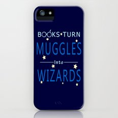 Books Turn Muggles Into Wizards - Books Addicted iPhone (5, 5s) Slim Case