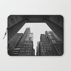 New York under the rain Laptop Sleeve