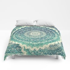 BICOLOR COLD WINTER MANDALA Comforters