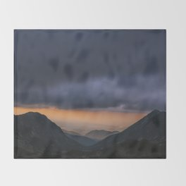 Sunset is my favorite color Throw Blanket
