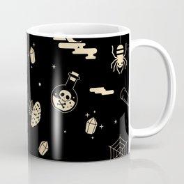 Halloween pattern in black bg Coffee Mug