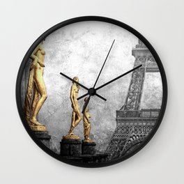 femmes parisiennes Wall Clock
