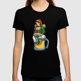 Irish Fairy Sits In A Beer Mug And Brings Luck T-shirt