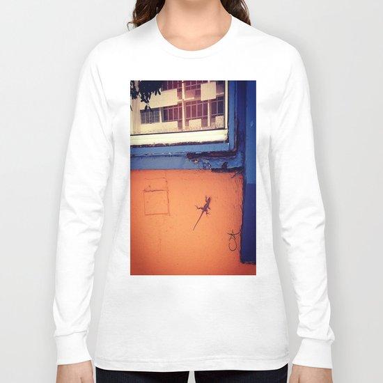 Lizard in Puerto Rico Long Sleeve T-shirt