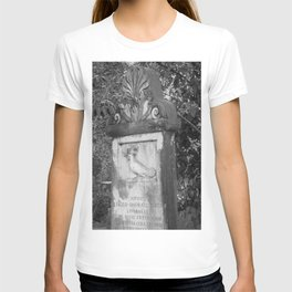 rooster grave T-shirt