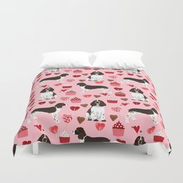 English Springer Spaniel love hearts valentines day gifts for dog person pet friendly pet portrait Duvet Cover
