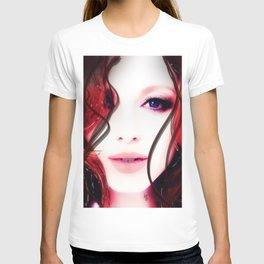 Christina Hendricks Up Close T-shirt