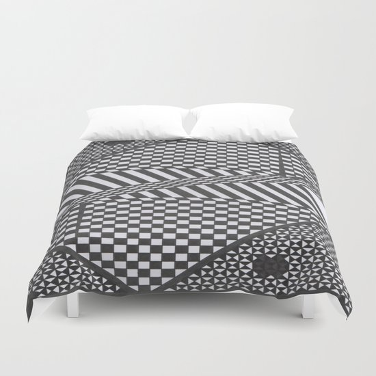 Twisted mind Duvet Cover