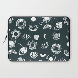 Seaflower mono Laptop Sleeve