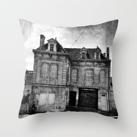MaiSon HanTée... Throw Pillow
