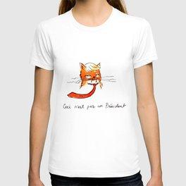 Ceci n'est pas un President T-shirt