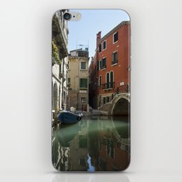 italy - venice - widescreen_621-623 iPhone Skin