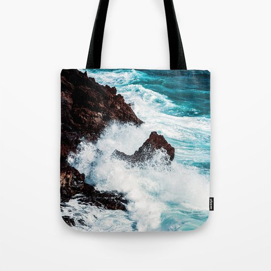 CONFRONTING THE STORM Tote Bag