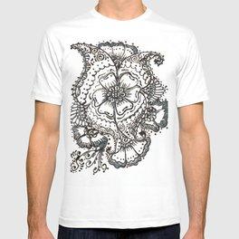 02. Elegant Flower Henna T-shirt