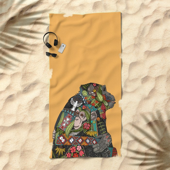 chimpanzee love Beach Towel