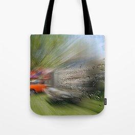 Zooming drops Tote Bag