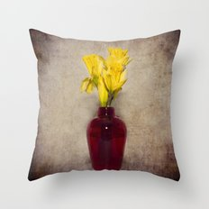 Daffodil Still Throw Pillow