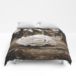 Symbolic rose Comforters