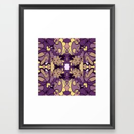 pullos purpura Framed Art Print