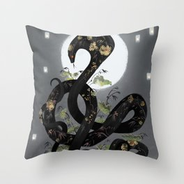 Night bloom Throw Pillow
