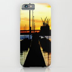 Light shines over the Harbour Slim Case iPhone 6s