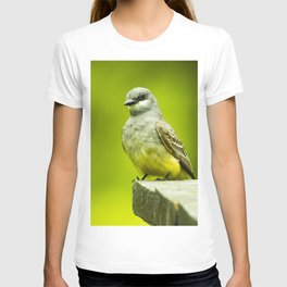 Eye Catching Western Kingbird by Reay of Light Photography T-shirt