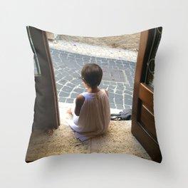 Riflessioni Throw Pillow
