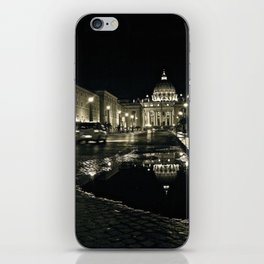 Puddle Reflections on the Steps of the Vatican - St. Peter's Basilica iPhone Skin