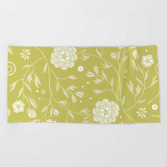 Sunny floral pattern Beach Towel