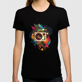 Goodtime Party Music Retro Rainbow Turntable Graphic T-shirt