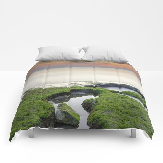 Green, white a red coast Comforters