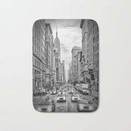 NEW YORK CITY 5th Avenue Traffic | Monochrome Bath Mat
