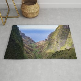 Hawaii: Ocean Aerial View from the Napali Cliffs Rug