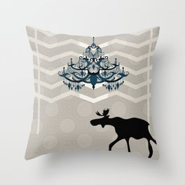 A Moose finds home Throw Pillow