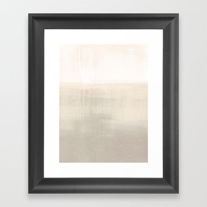Beige and Taupe Horizon Minimalist Abstract Landscape Gerahmter Kunstdruck