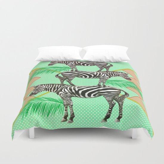 zebras in the jungle Duvet Cover