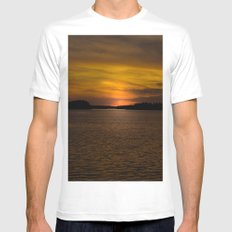 The sun goes down and night falls White MEDIUM Mens Fitted Tee