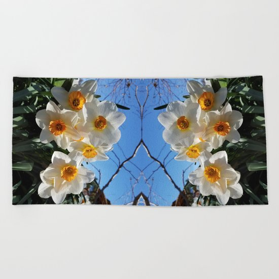 Sunny Faces of Spring - Gold and White Narcissus Flowers Beach Towel