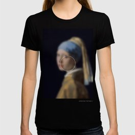 Girl with a Pearl Earring _loading. T-shirt
