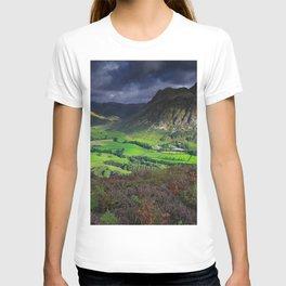 Lake District National Park mountains lakes english landmarks England UK Europe T-shirt