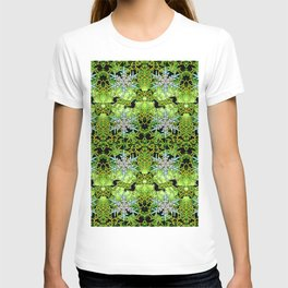 GREEN AURORA WINTER SNOWFLAKES PATTERN T-shirt