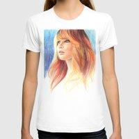jennifer lawrence T-shirts featuring Jennifer Lawrence by xDontStopMeNow