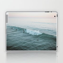 lets surf v Laptop & iPad Skin