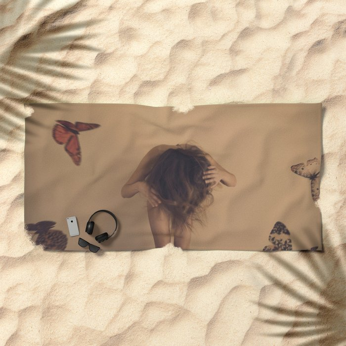 Metamorphose III Beach Towel
