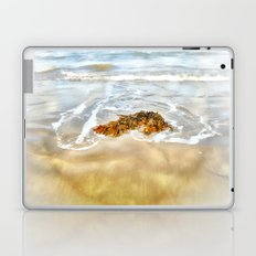 WASHED AWAY TO THE SEA Laptop & iPad Skin