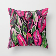Pink leaves pattern Throw Pillow